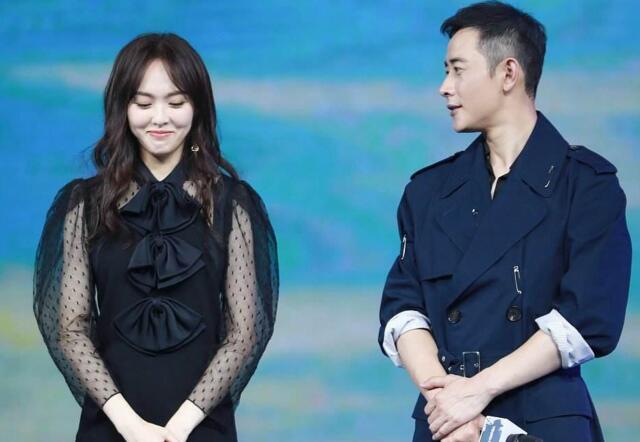 唐嫣向刘亦菲炫耀结婚证, 刘亦菲的回复, 够网友笑一年