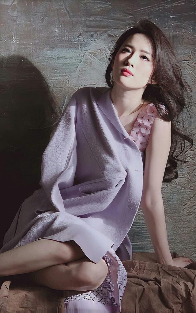 刘亦菲紫色连衣裙淡雅浪漫、气质独特-第8张图片